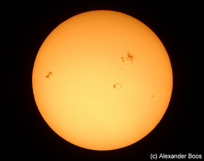 Sun with Sunspots on October 27th, 2001 (Photo © Alexander Boos)